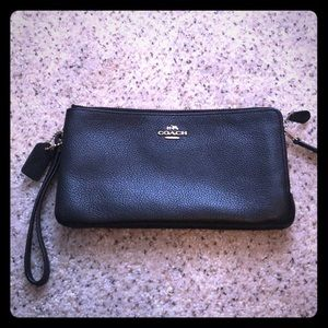 NWT Double Zip Wallet Black Gold